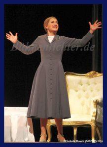 In diesem Bild träumt Evita davon, nun endlich Vize-Präsidentin zu werden
