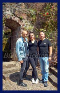 Drew Sarich und Ann Mandrella mit Intendant Rainer Roos