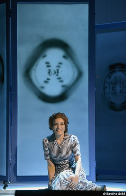 "Roberta Valentini als Rosalind Franklin - ""Foto 51"""