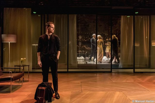 15. Andrew Scott as Hamlet_credit Manuel Harlan