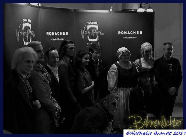 (c)-Nathalie-Brandt-2017-tanz-der-vampire-gruppenfoto-wien