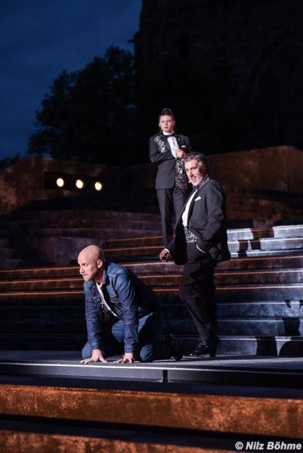 v.u.n.o.: Timothy Roller (Judas), Martina Mulders (Annas), Frank Heinrich (Kaiphas)