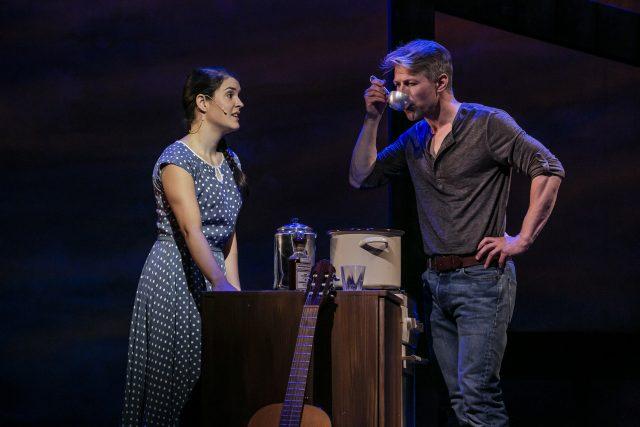 Marian (Elisabeth Köstner) & Robert (Gerald Michel) © Jochen Quast